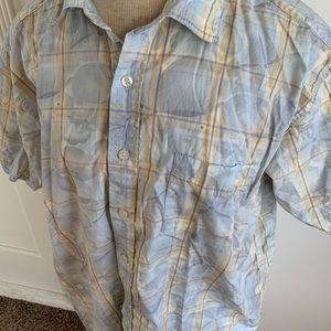 Men's Quiksilver Buttonup Shirt size LARGE